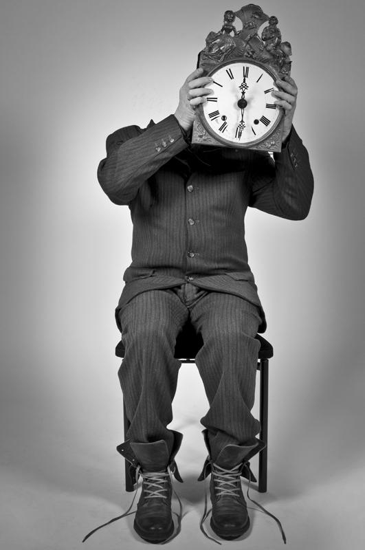 Human Clock Faceless - Galerie alainrousseau.com