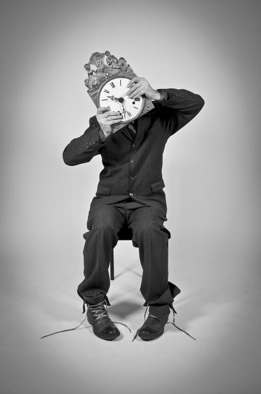 Human Clock Has Twisted Minds - Galerie alainrousseau.com